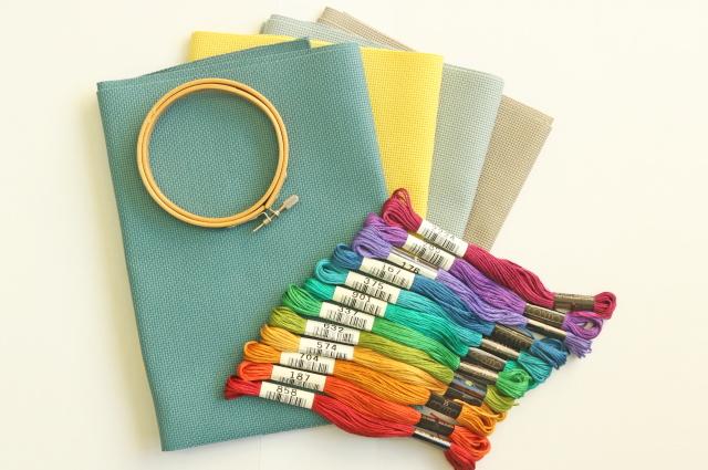 戸塚刺しゅう協会で使用している糸、布のご紹介です。